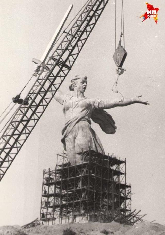 Монумент скульптура «Родина-мать» в Волгограде, описание, фото