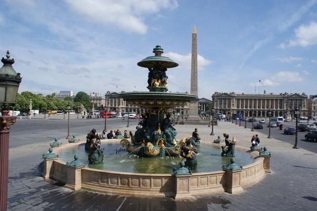 Площадь Согласия (Виконт Лепик с дочерьми, переходящий площадь Согласия)