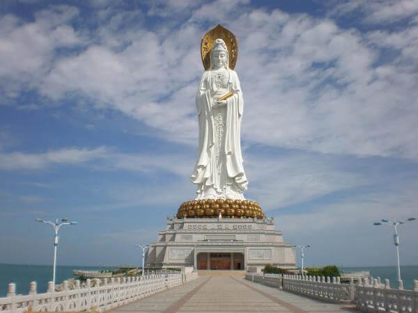 Самые большие скульптуры (10-ка самых высоких скульптур)