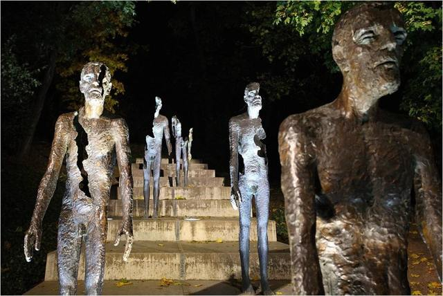 Скульптуры в Праге