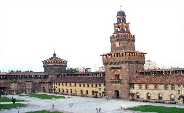 Замок Сфорца в Милане - расположение на карте