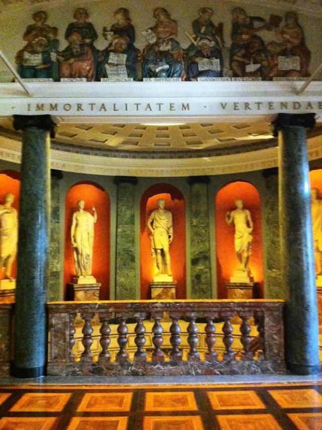 Амброзианская библиотека, Милан, Италия