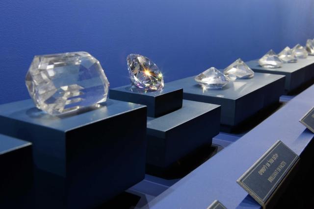 Описание великолепного музея алмазов в Амстердаме