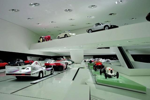 Музей volkswagen (Фольксваген) Вольфсбург, Германия