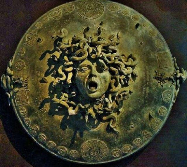 Голова Медузы Горгоны, Рубенс, 1618